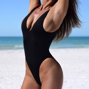 MINIMALE ANIMALE Tyler One Piece